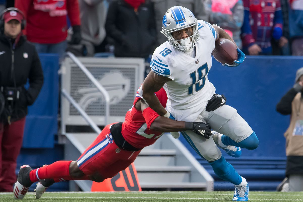 Detroit Lions wide receiver Kenny Golladay against Buffalo Bills cornerback Tre'Davious White in the fourth quarter at New Era Field.