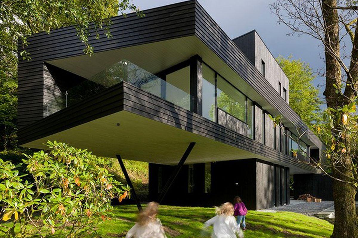 "Photos by Bent René Synnevåg via <a href=""http://www.designboom.com/architecture/todd-saunders-architecture-villa-s-norway/"">Designboom</a>"