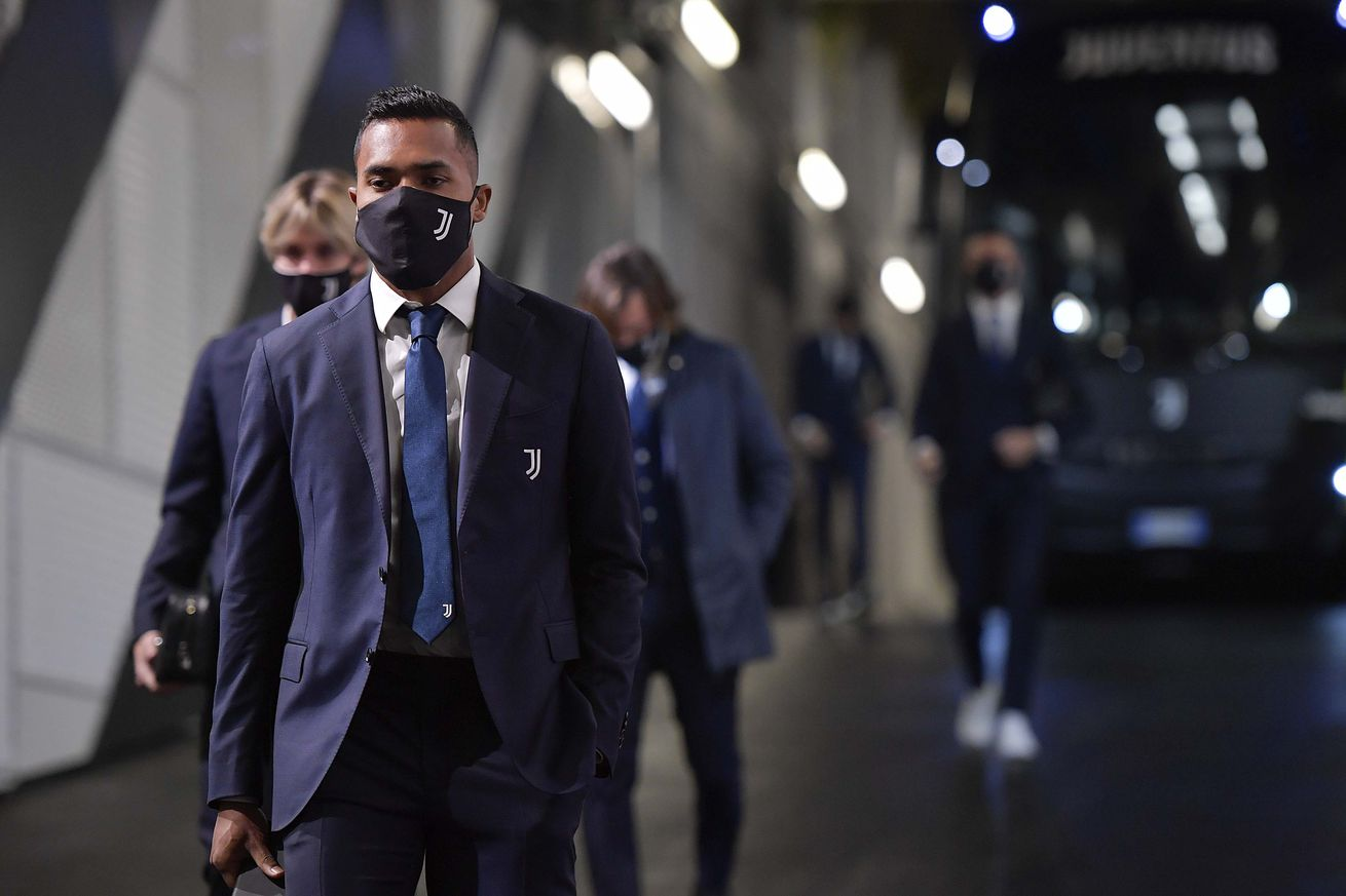 Alex Sandro tests positive for COVID-19