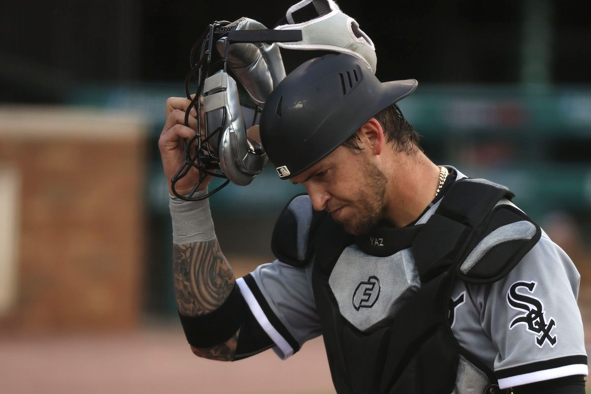 """White Sox manager Tony La Russa said catcher Yasmani Grandal was """"making progress"""" after injuring his right knee."""