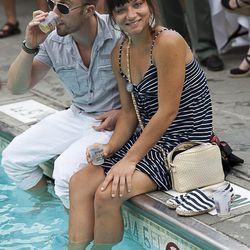 Guests hang out by the Hotel Monteleone pool and sip on Tales tastings.