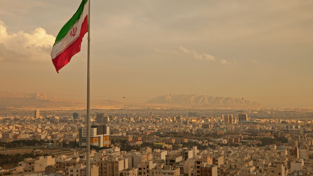 I live in Iran  Here's how sanctions have shaped my life  - Vox