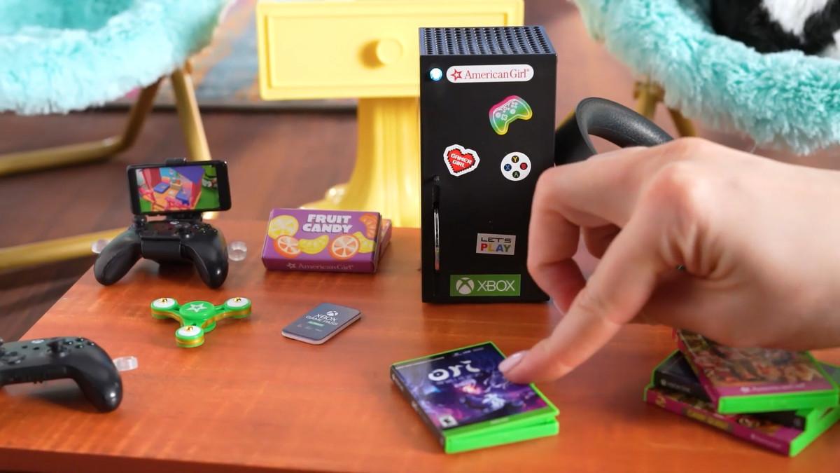 a tiny set of xbox minis