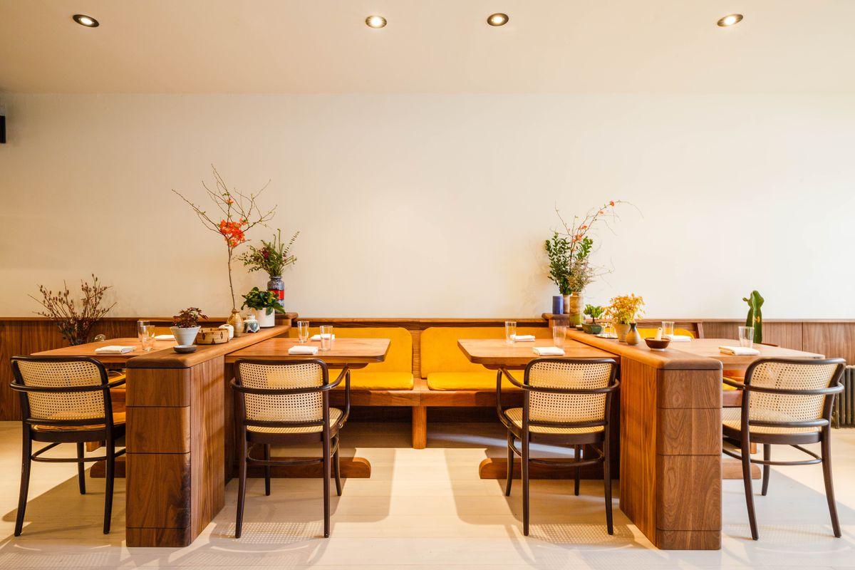 The Dining Room at Gem
