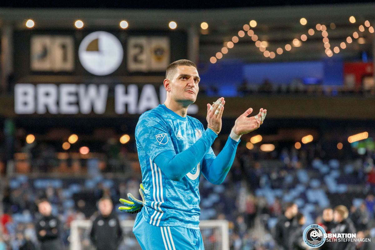 1October 20, 2019 - Saint Paul, Minnesota, United States - Minnesota United goalkeeper Vito Mannone (1) applauds the fans after being knocked out of the playoffs by the LA Galaxy 2-1 in the first round at Allianz Field.