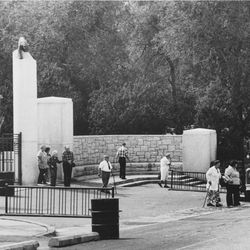 The entrance to Hogle Zoo as it appeared in 1976.