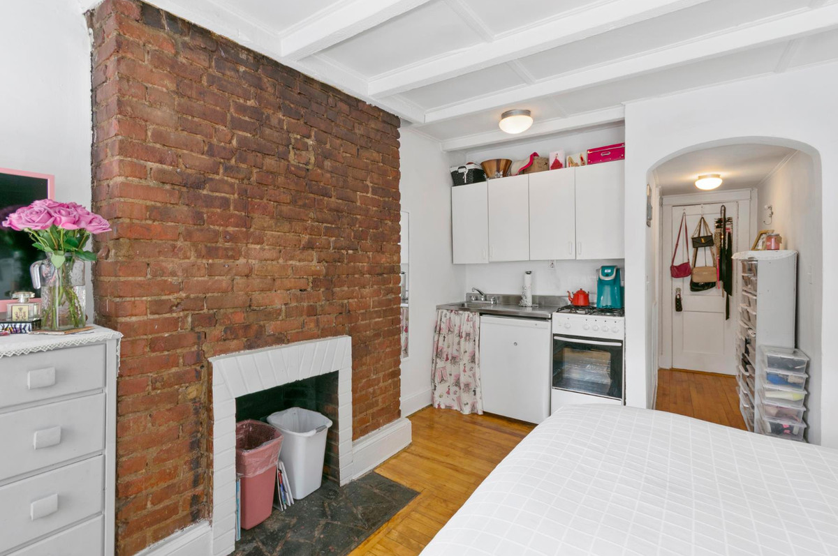 New York rent comparison: What $2,000 rents in Manhattan ...