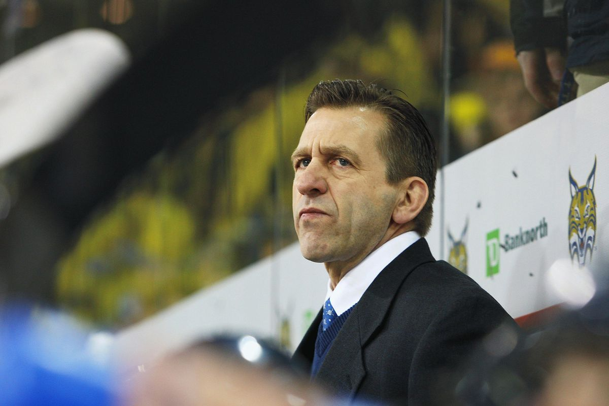 Yale head hockey coach Keith Allain