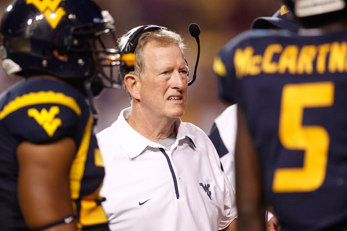 Many WVU Mountaineer fans dislike Bill Stewart, but do they dislike him for the right reasons?