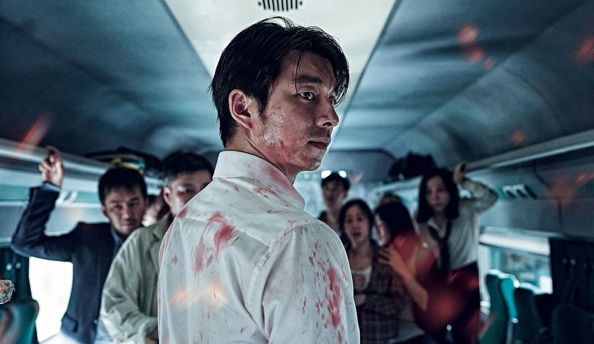 Train to Busan - zombies attack crowd