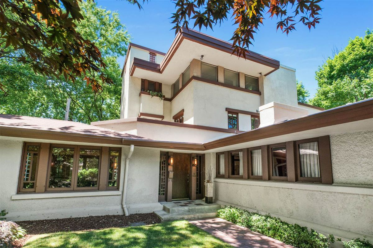 Frank lloyd wright homes for sale around chicago curbed for Chicago mansion for sale