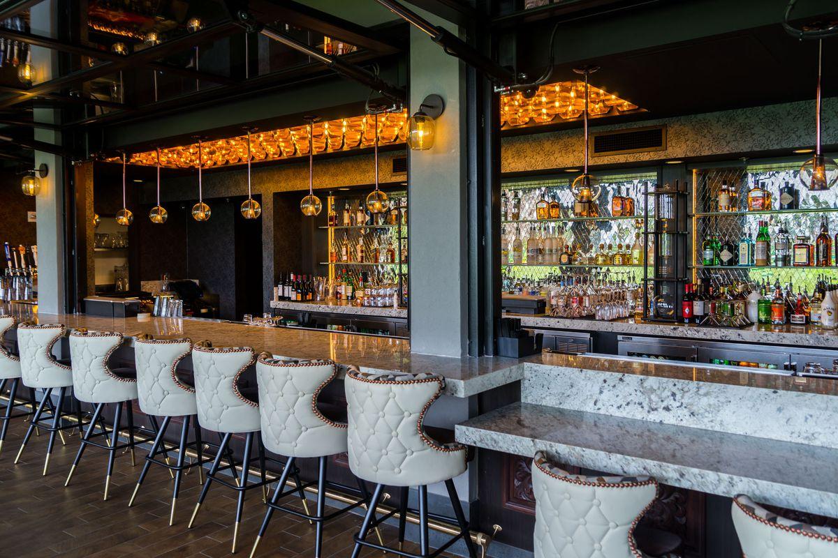 Topgolf Riv Bar