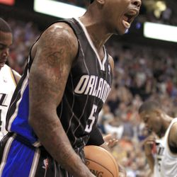 Orlando Magic's Quentin Richardson yells at an official during a game against the Utah Jazz during the second half of an NBA basketball game in Salt Lake City, Saturday, April 21, 2012. The Jazz beat the Magic 117-107 in overtime. (AP photo/George Frey)