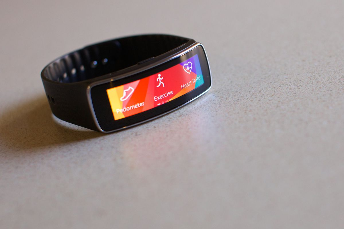 Samsung's New Gear Fit Needs to Work on the