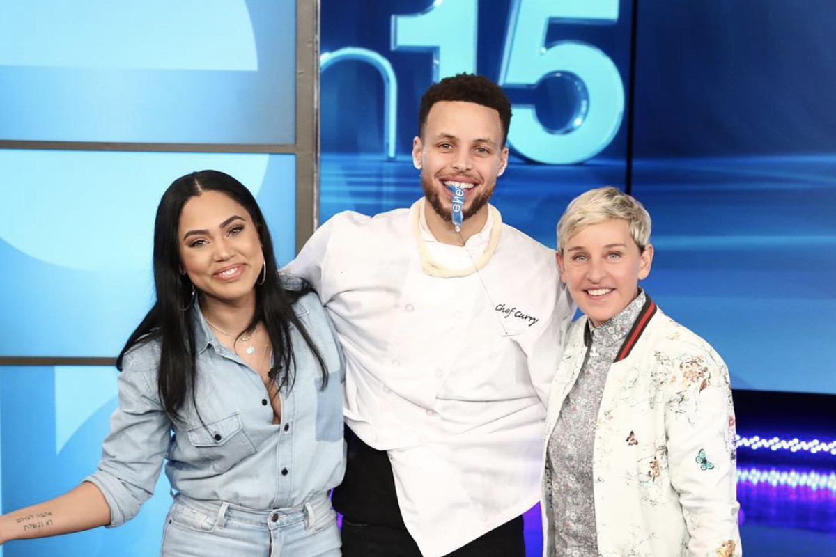 warriors u2019 steph curry and wife ayesha curry visit the