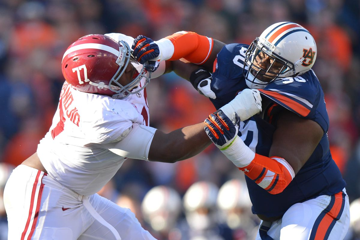 Oh, look, an uncalled hands-to-the-face and Gabe Wright still can't move Arie.