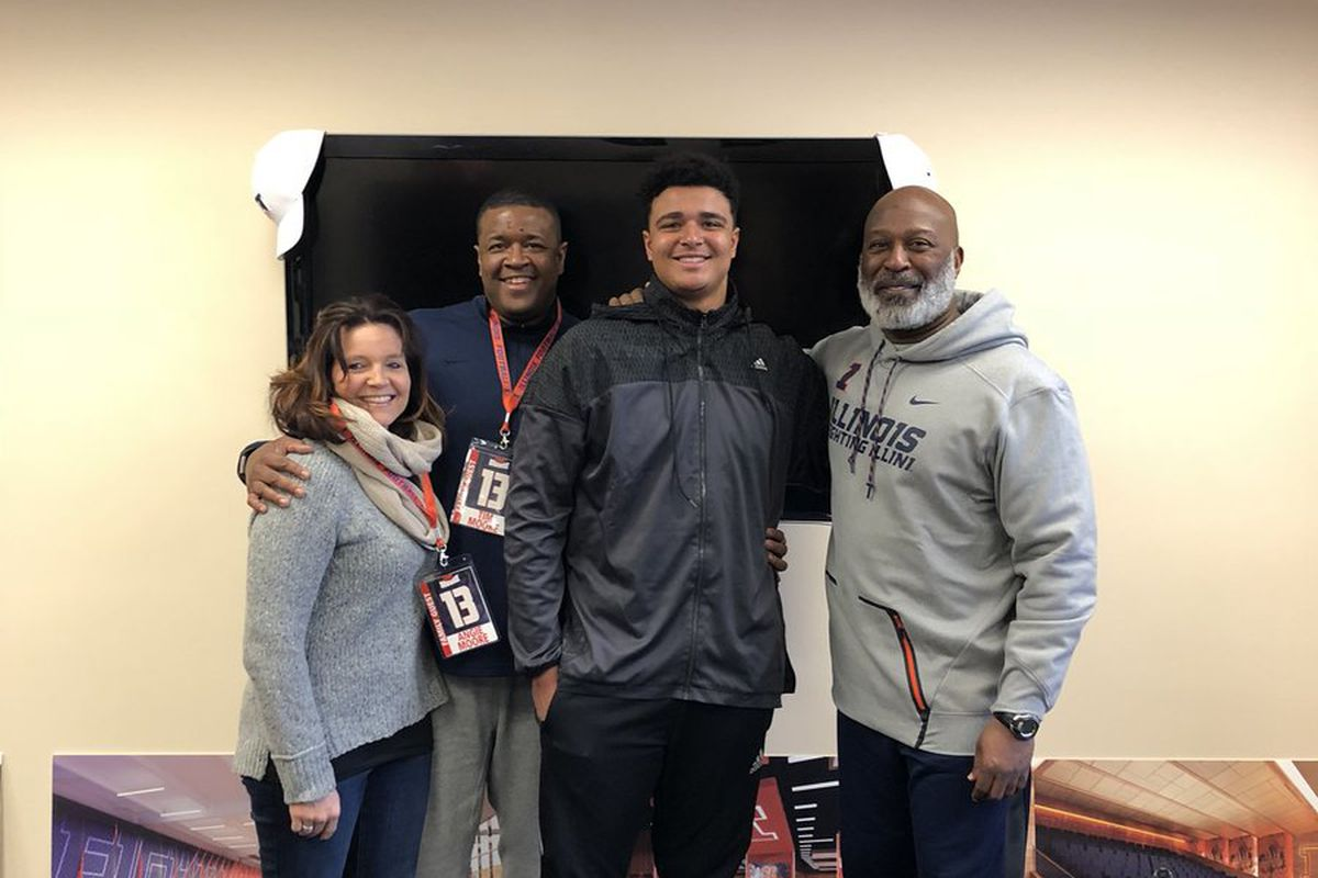 Three-star TE Griffin Moore Commits to Illinois - The Champaign Room