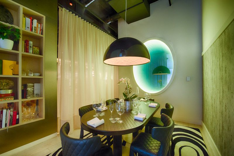 """José's Table"" at Minibar [Photo: R. Lopez]"