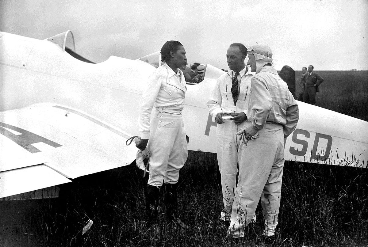 Josephine Baker and the airplane she bought in 1935