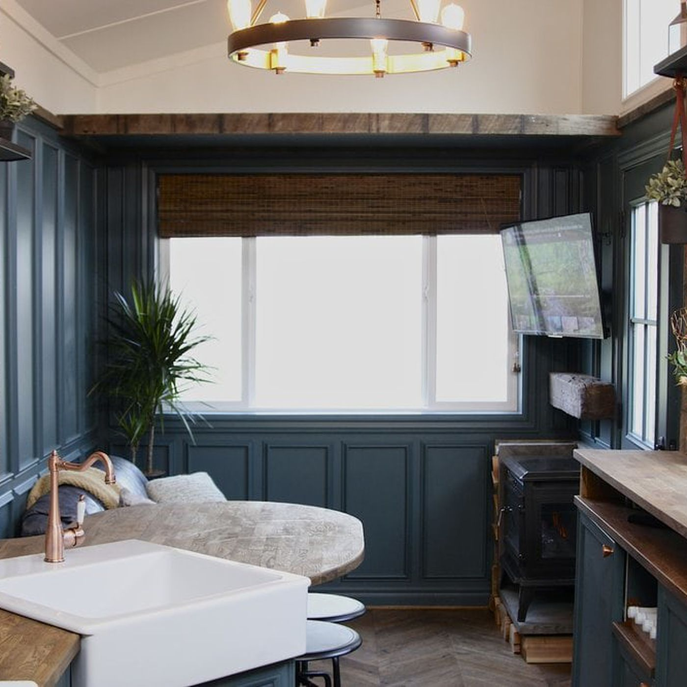 Craftsman\' tiny house goes big on details - Curbed