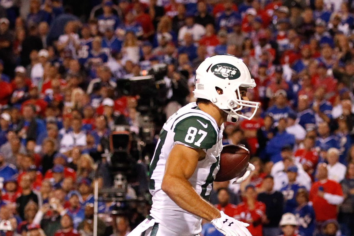 Eric Decker's hip surgery is bad news for the Jets' 2017