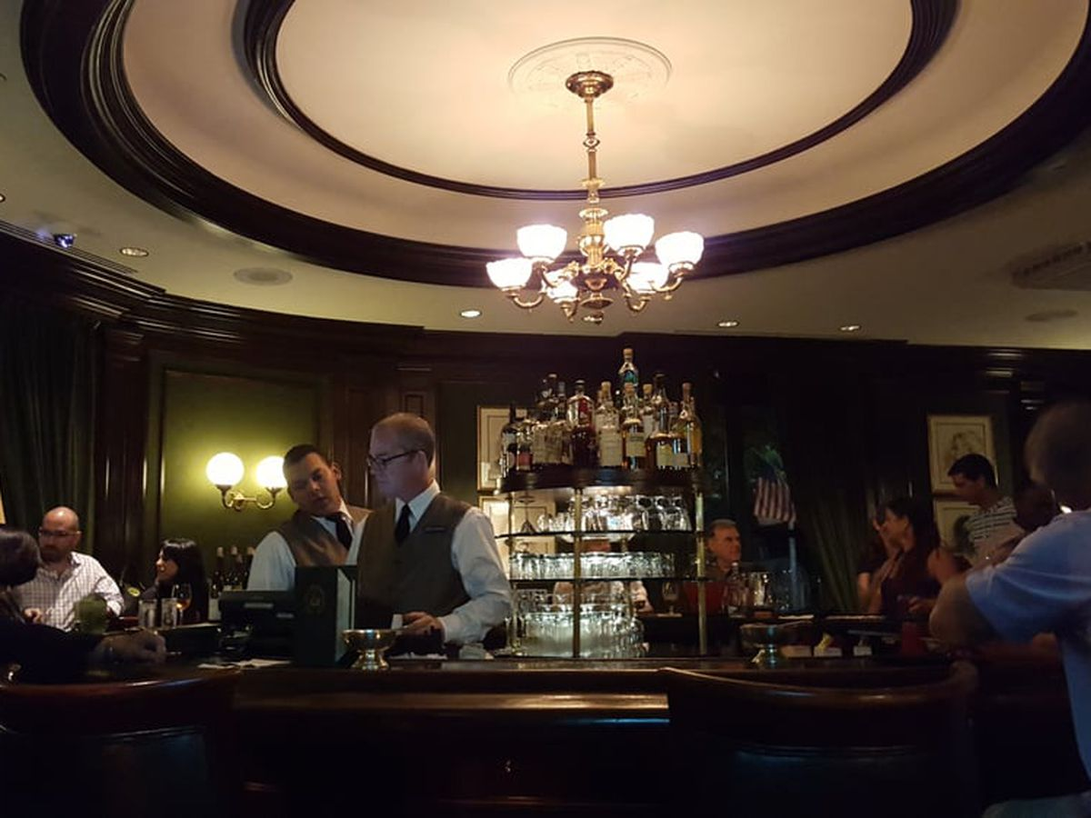 The iconic Round Robin bar is a favorite gathering place of Robert Burns aficionados.