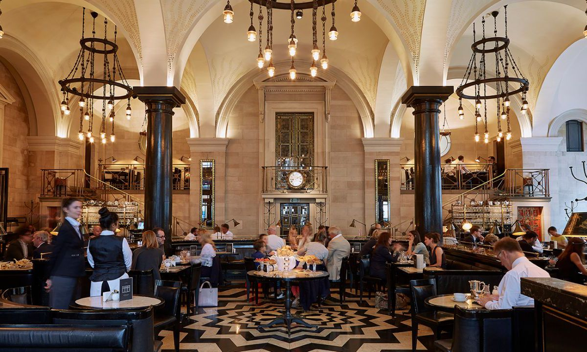 The Wolseley, on Piccadilly