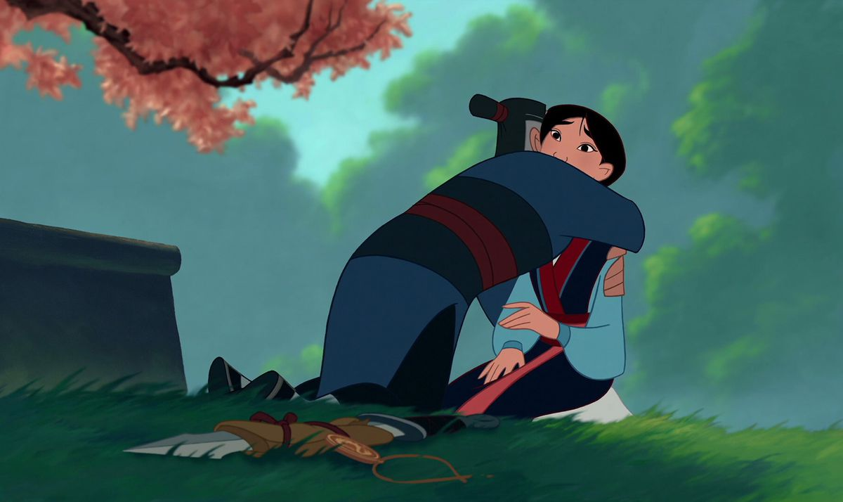 mulan returns home and her father embraces her