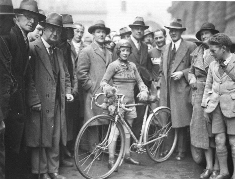Billie Samuel, 1923, Melbourne- Sydney