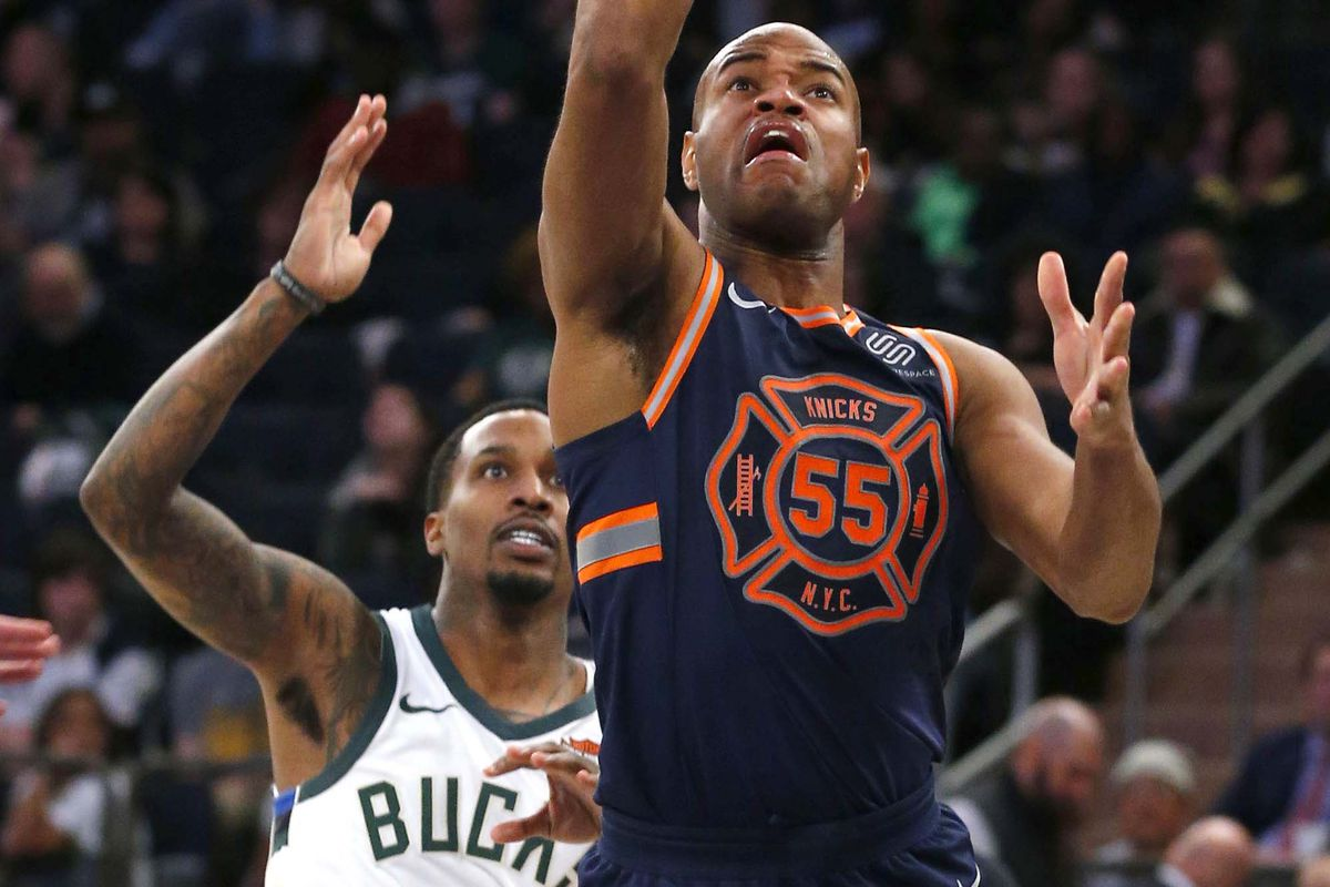 ca3dd419781 Did the Knicks screw up their uniforms again? - Posting and Toasting