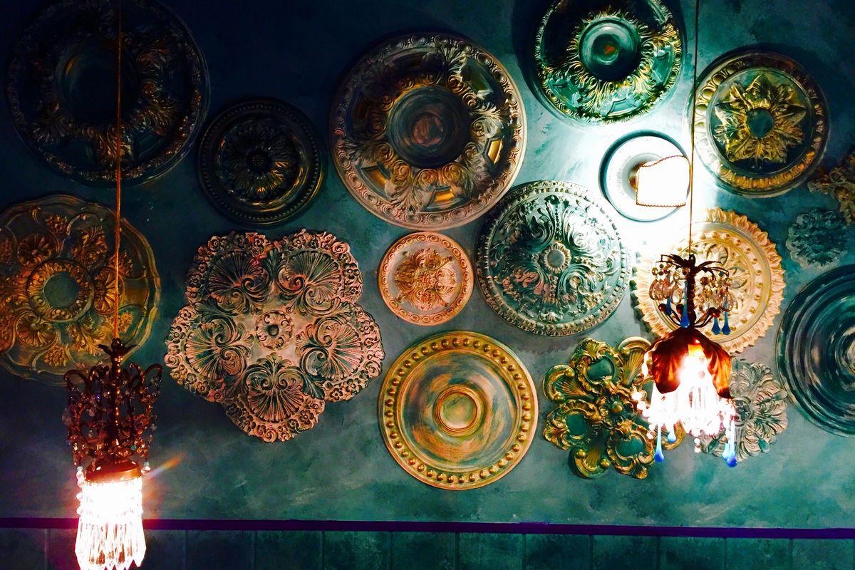 Dining room wall at Pinefish