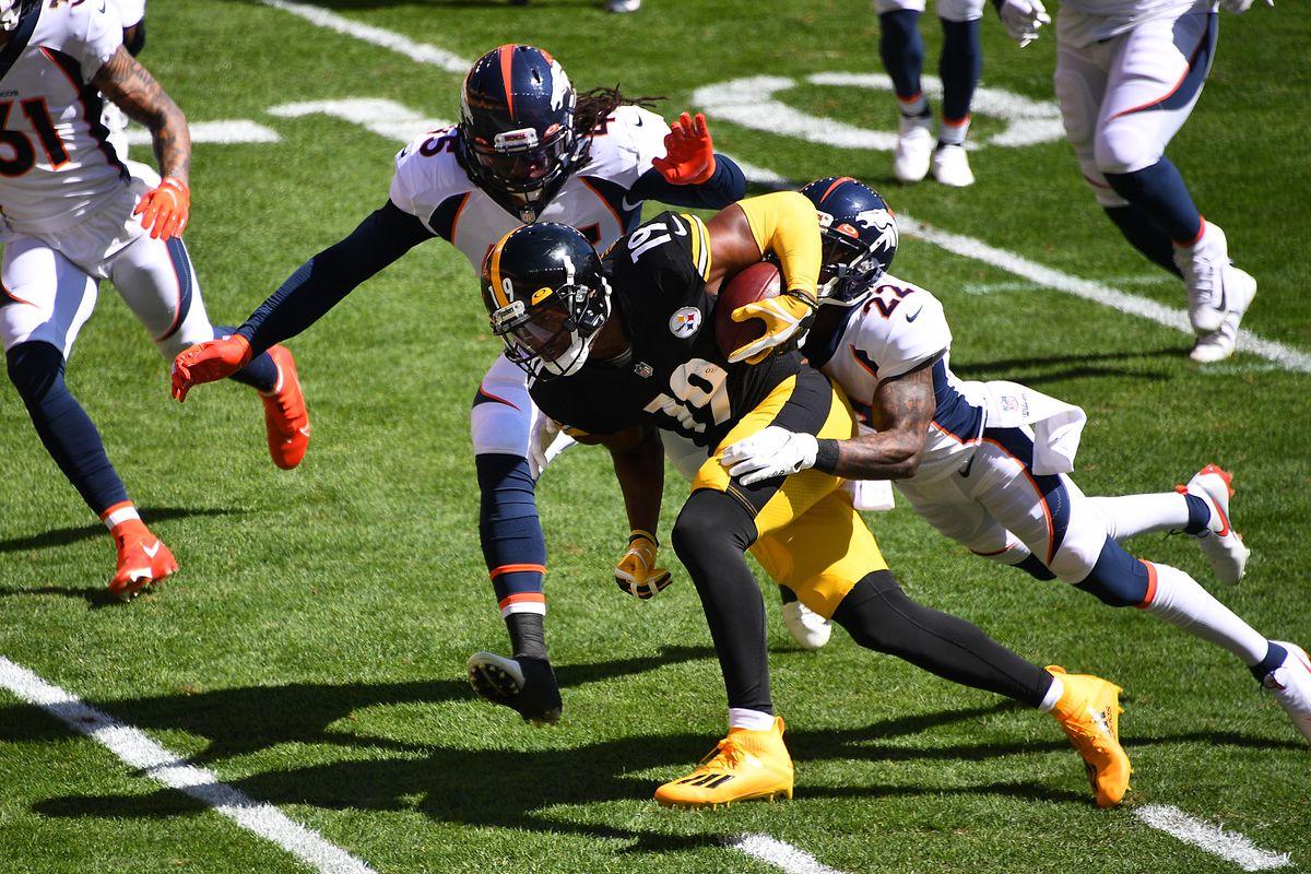 Denver Broncos v Pittsburgh Steelers
