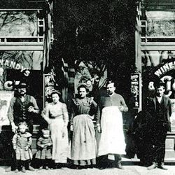 The Jos Winandy store on Clark Street in 1901.   Provided by The Edgewater Historical Society.