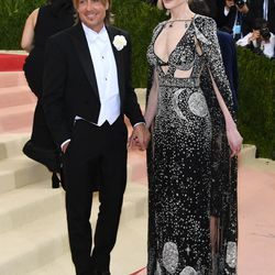 Keith Urban and Nicole Kidman, who is wearing a McQueen gown.