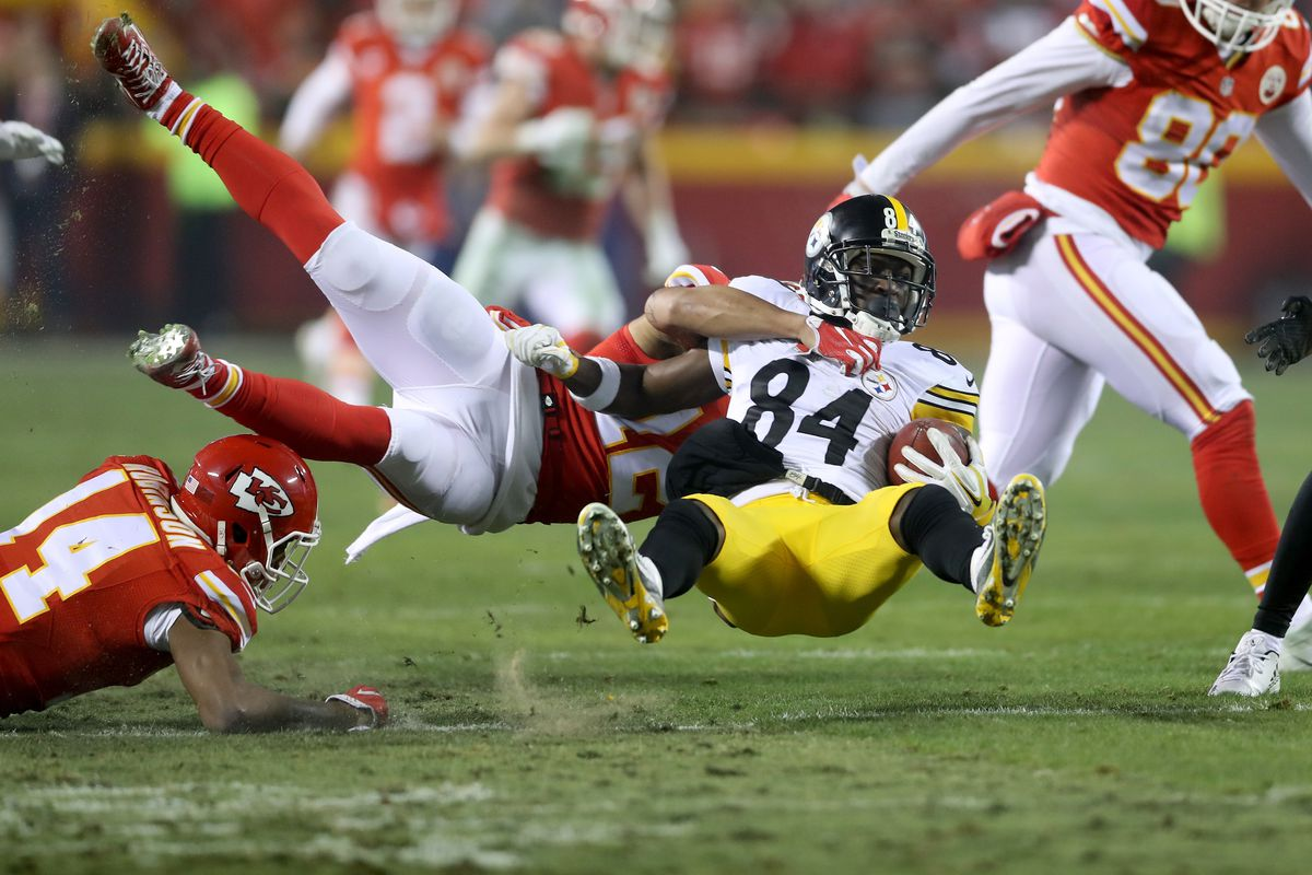 Kansas City Chiefs CB Marcus Peters tackles Pittsburgh Steelers WR Antonio Brown