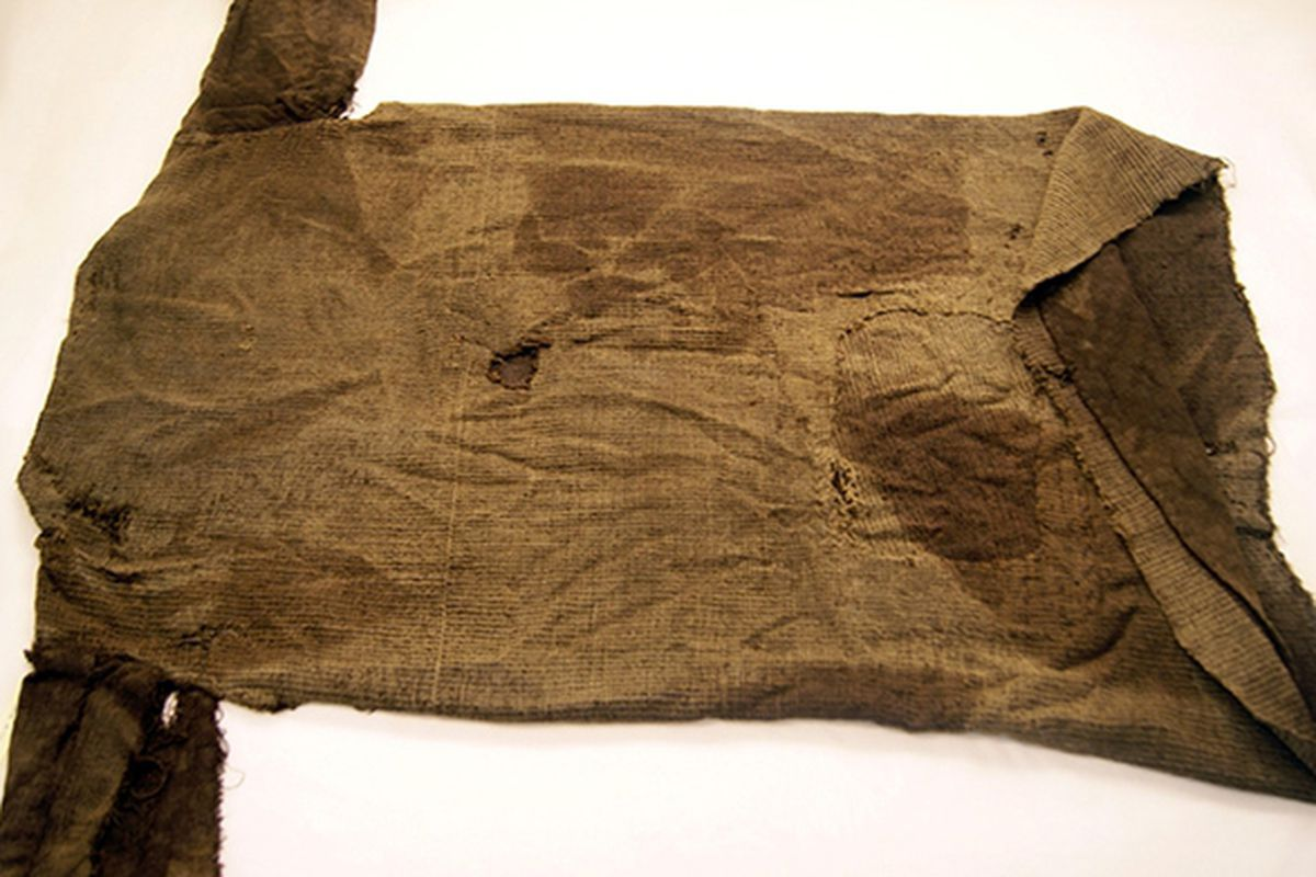 """Photo by Marianne Vedeler, via <a href=""""http://news.discovery.com/history/archaeology/iron-age-tunic-130830.htm"""">Museum of Cultural History</a>, University of Oslo"""