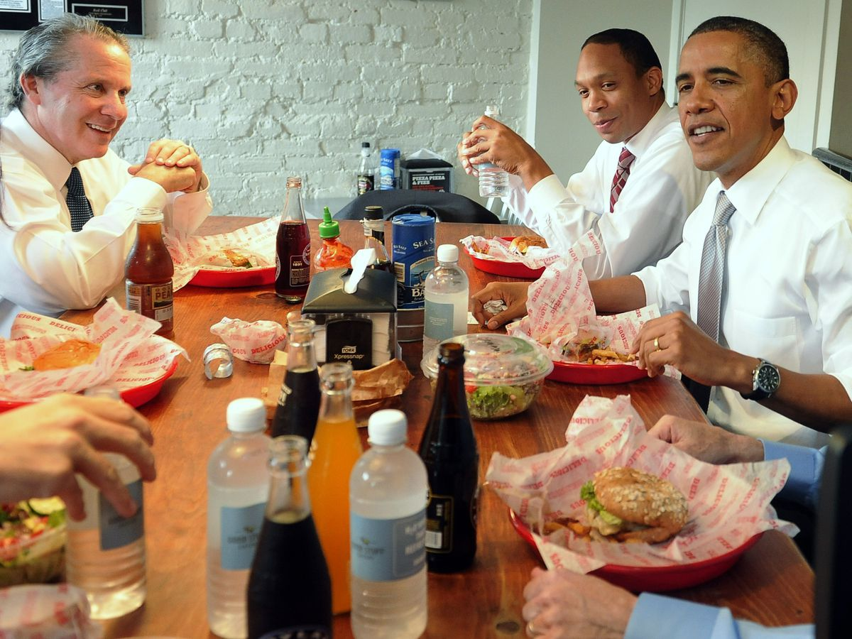 Obama Takes Staff Members Out To Lunch At Local DC Restaurant