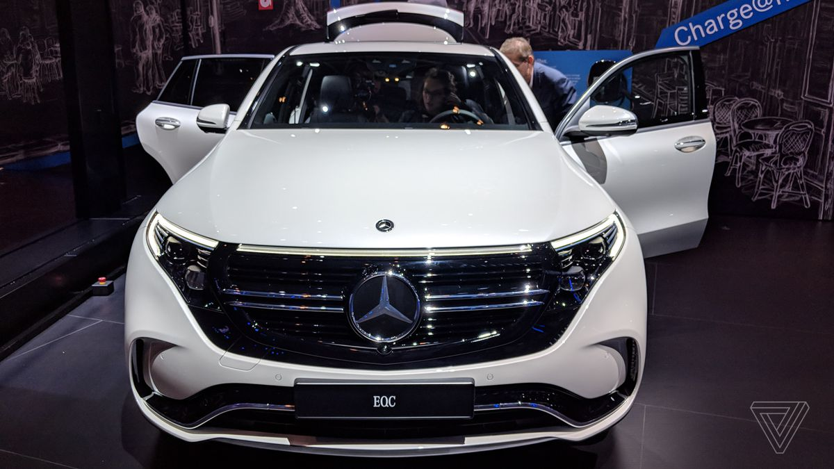 Even This Mercedes Benz Suv Knows Usb C Is The Future The Verge