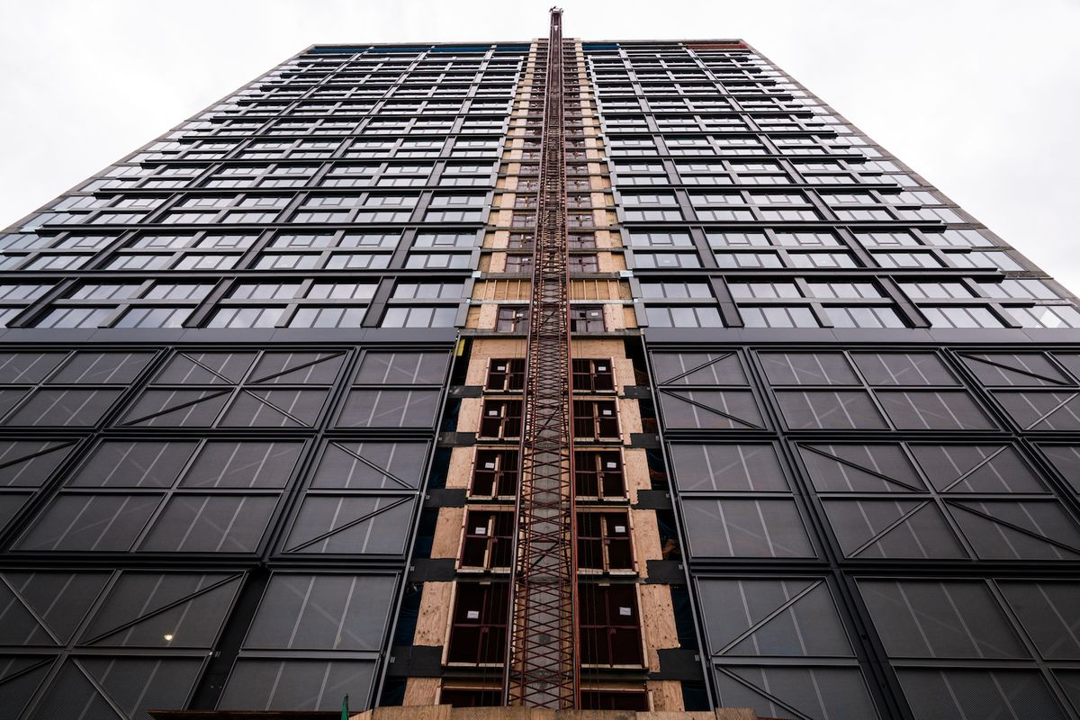an early look inside the west loop s landmark apartment tower curbed chicago. Black Bedroom Furniture Sets. Home Design Ideas