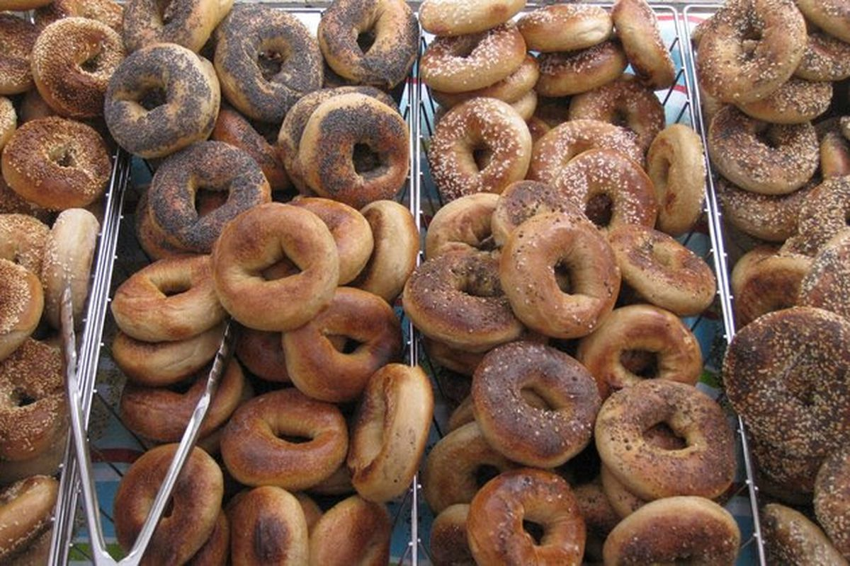 Trays of bagels are overflowing at Tastebud