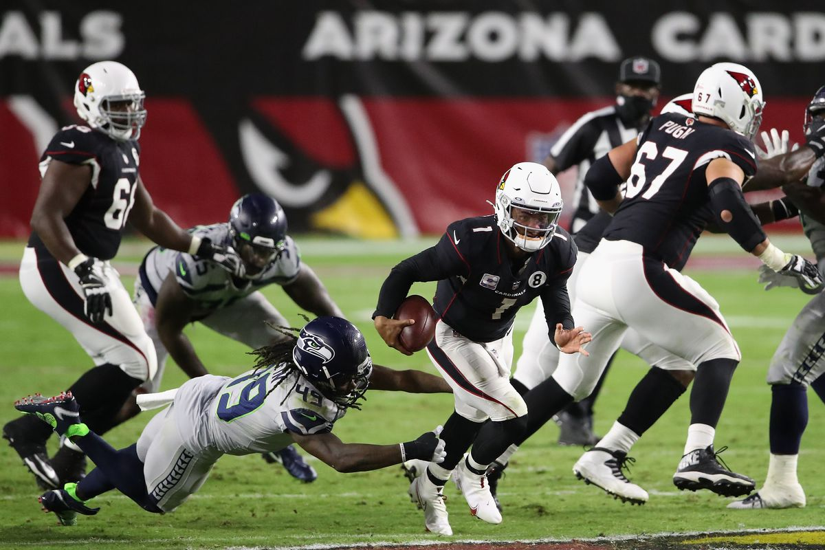 Quarterback Kyler Murray #1 of the Arizona Cardinals scrambles with the football against the Seattle Seahawks during the NFL game at State Farm Stadium on October 25, 2020 in Glendale, Arizona. The Cardinals defeated the Seahawks 37-34 in overtime.