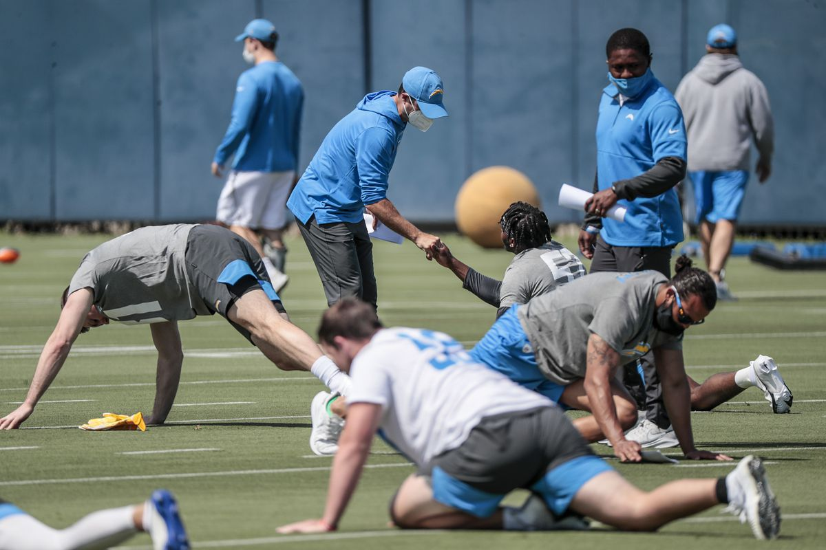 Chargers rookies work out