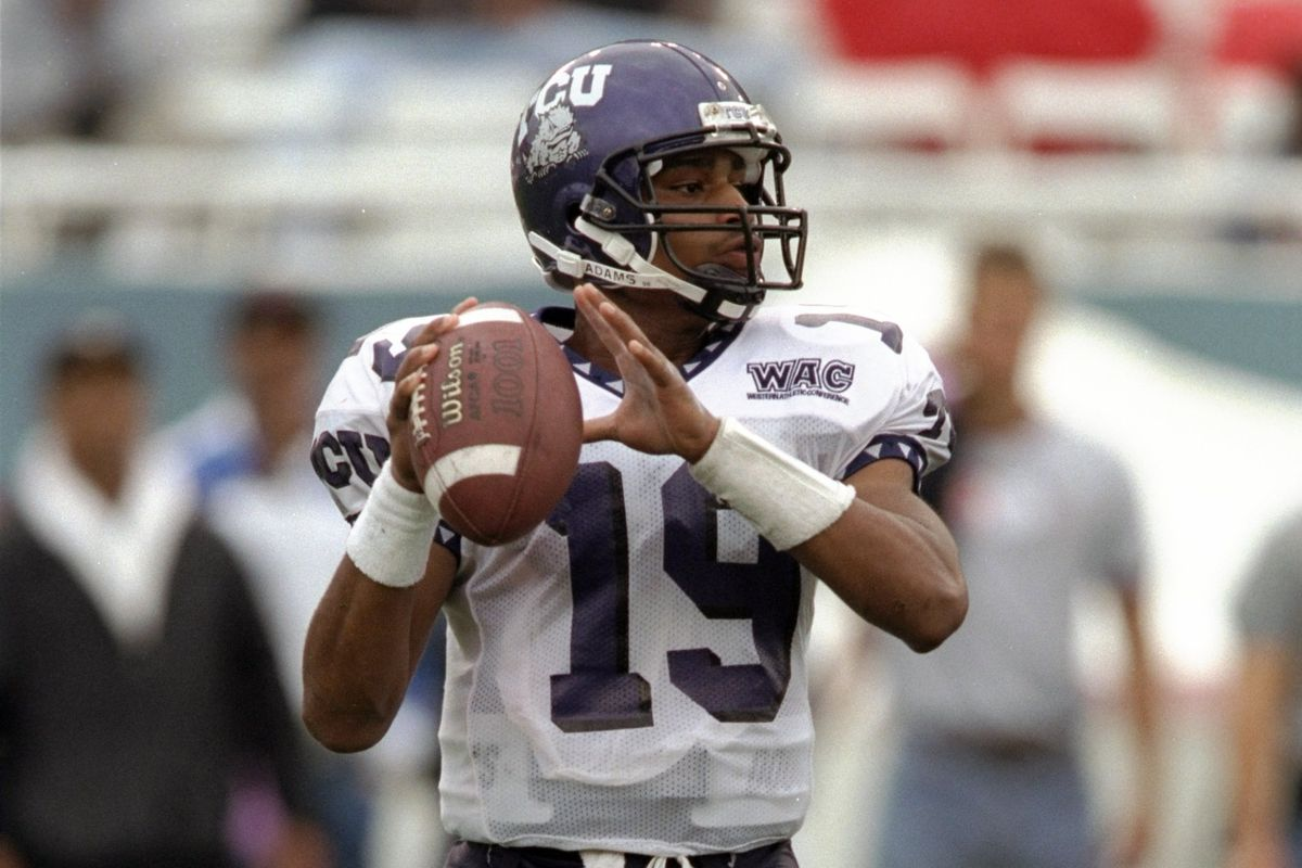 You have to go WAYYYYY back to find a pic of #19 - Pat Batteaux was GP's first Bowl Game QB!