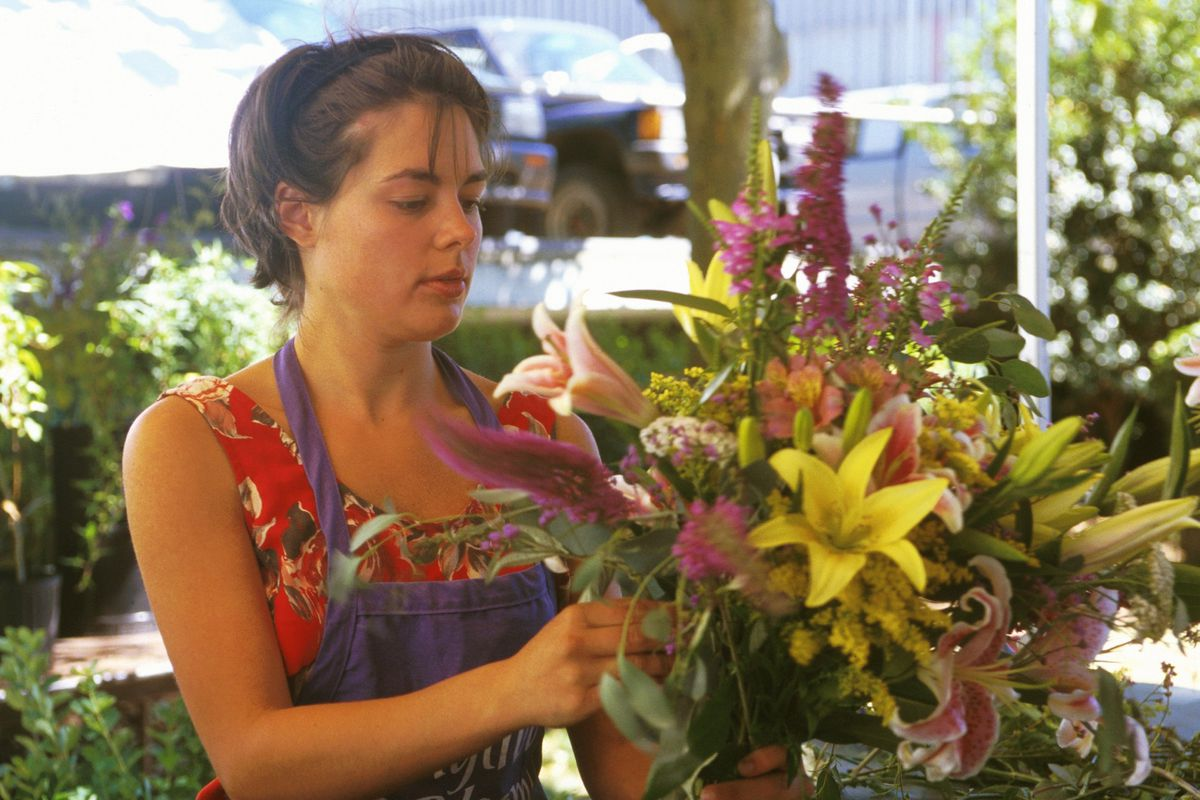 Do you care if your florist is licensed?