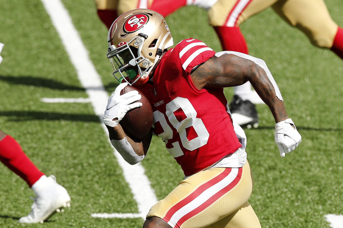 Jerick McKinnon of the San Francisco 49ers in action against the New York Jets at MetLife Stadium on September 20, 2020 in East Rutherford, New Jersey.