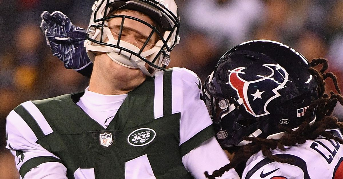 Peter King Thinks He Doesn't Think Clowney Will Receive A Long Term Contract In Houston In 2019