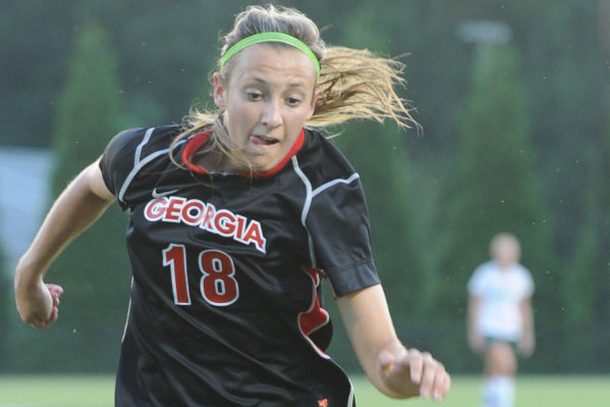 Gabby Seiler (18) dribbles down the sideline during a women's soccer game on Friday, Sep. 6, 2013, in Athens, Ga. (Photos by Sean Taylor)