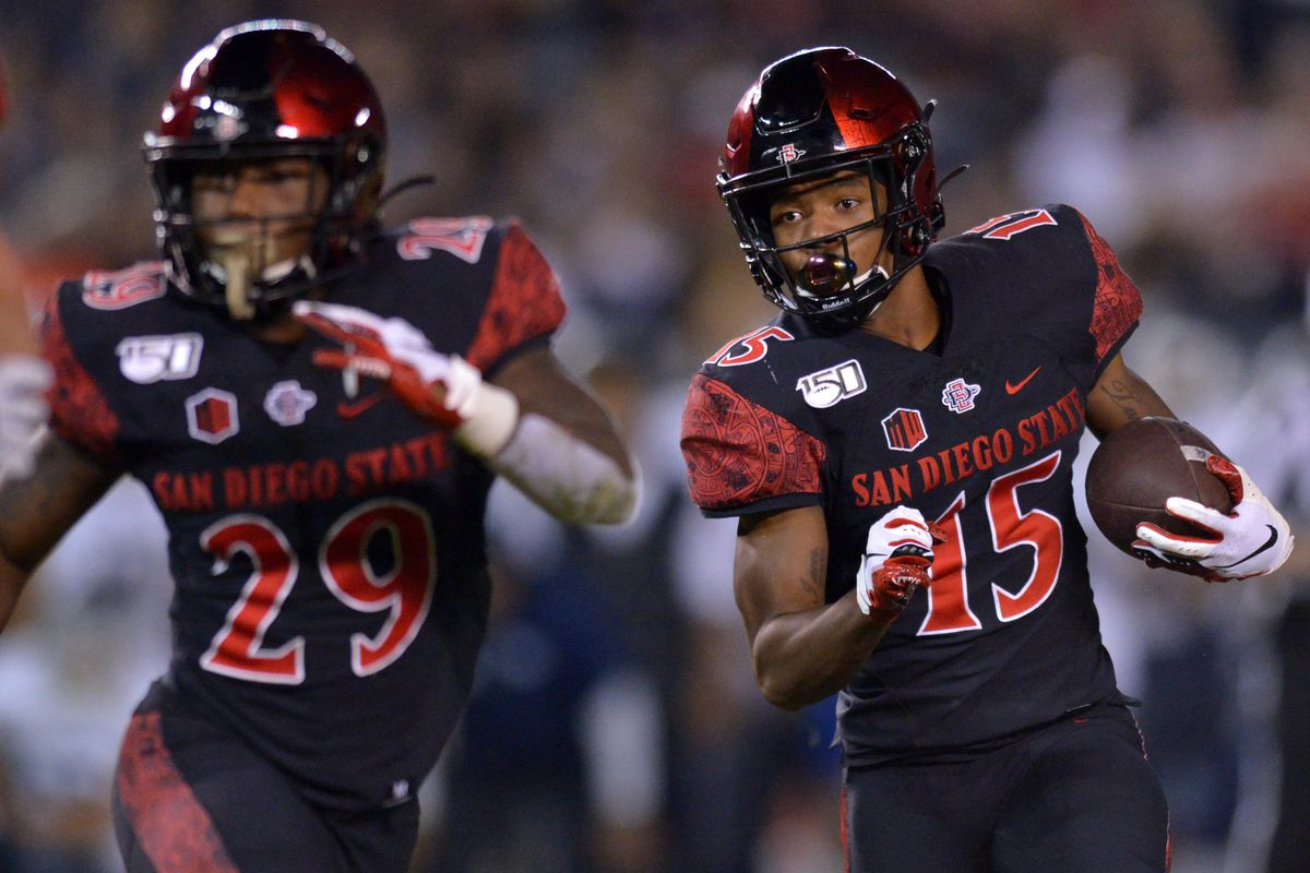 San Diego State Aztecs running back Jordan Byrd (15) runs during the second quarter against the Nevada Wolf Pack at SDCCU Stadium.