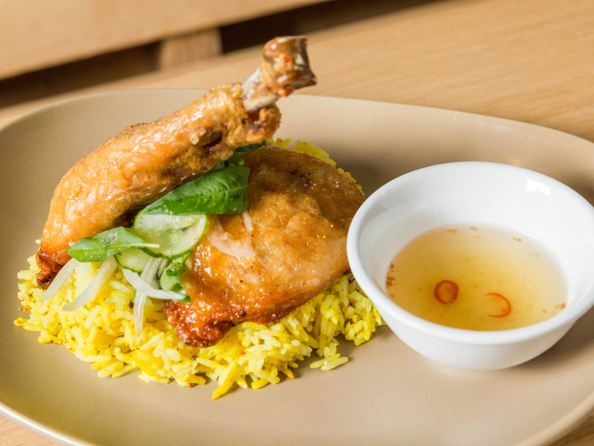 Fried chicken over rice with fish sauce