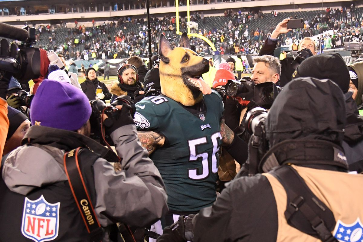 separation shoes 01ebb 221f5 Eagles are allowing fans to wear dog masks to the NFC ...